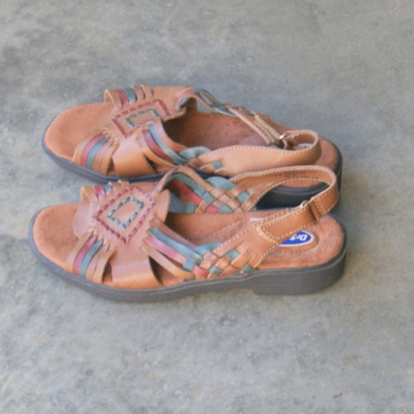 470f20edd9f7 Dr. Scholl s Shoes - 80s Southwestern Style Woven Huarache Sandals 6